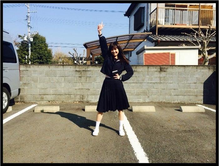笑顔でポーズを決める倉科カナ/オフィシャルブログ(Ameba)より