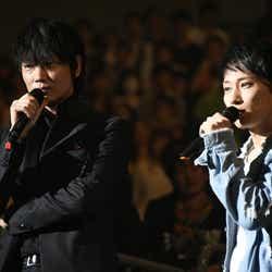 綾野剛&TAKUYA∞(提供写真)