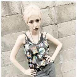 モデルプレス - 中島美嘉、白髪ベリーショート姿に 「破壊力はんぱない」「ちょーカッコいい!」と絶賛の声