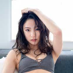 志田友美(C)矢西誠二/光文社、週刊FLASH