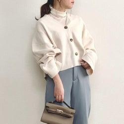 【ユニクロ】レフ版効果で着るだけ美人!人気「白アイテム」で春コーデ