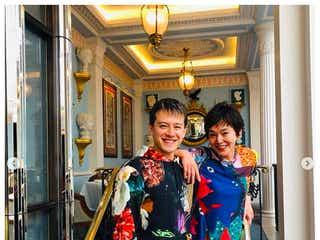 大竹しのぶ、留学中・ウエンツ瑛士との2ショット公開「とても男らしくなって」