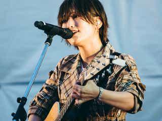 山本彩、小林武史とのライブで新曲初披露 3rdシングルタイトルも明らかに<追憶の光>