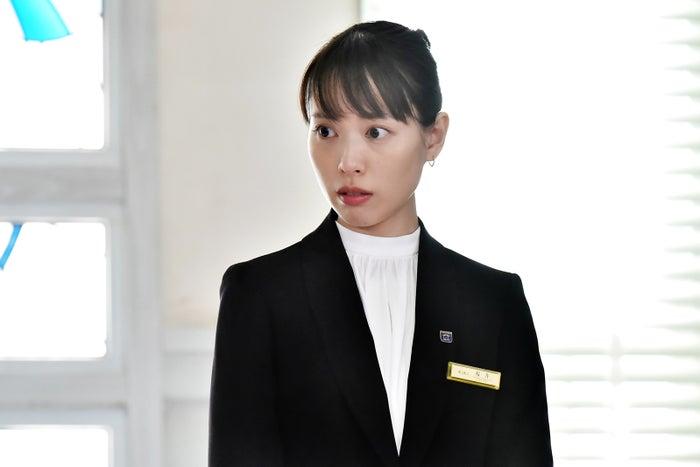 戸田恵梨香/「崖っぷちホテル!」第1話より(C)日本テレビ
