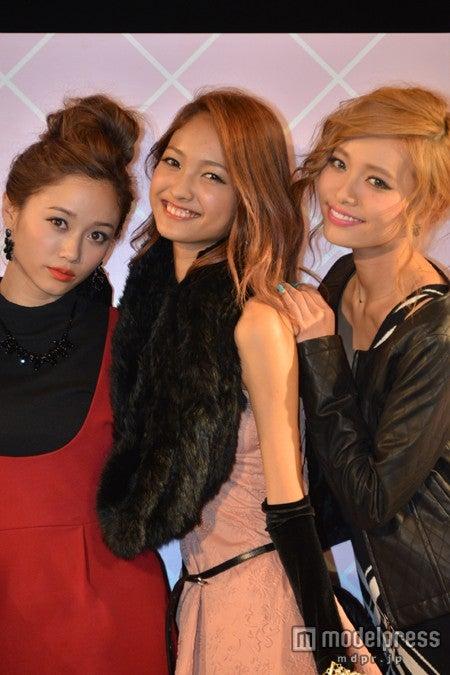 (左から)宮城舞、安井レイ、小泉梓