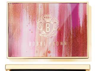 ボビイ ブラウンから花の色に着想を得た限定パレットがお目見え。