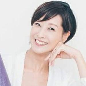 ルーシーズヨガ講師 / モデル AKIKO