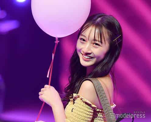 NMB48山本彩加、肩出しワンピで美ボディライン際立つ<Seventeen 夏の学園祭2019>