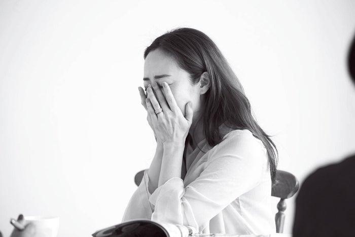インタビュー中は涙も…/画像提供:主婦の友社