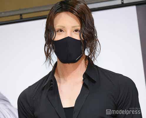 ROLAND、黒髪×サングラスなしスタイルで登場 コロナ打撃・ホスト業界の今後に言及