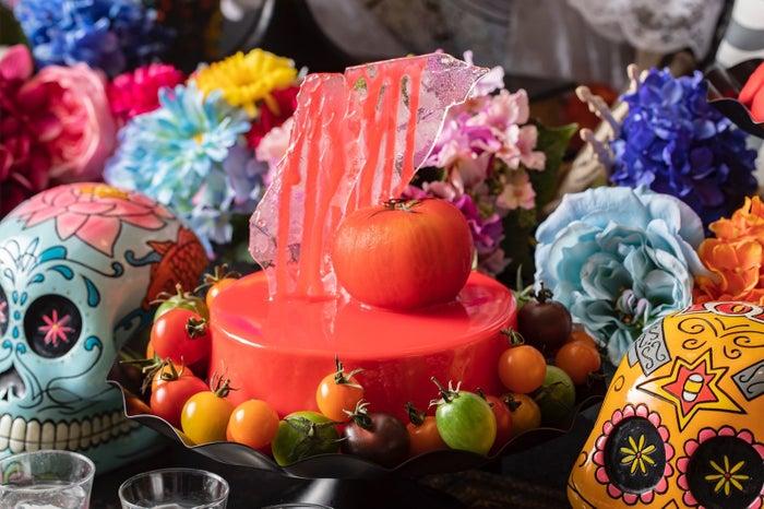 切り裂いてトマト ミラーチーズケーキ/画像提供:ヒルトン東京お台場