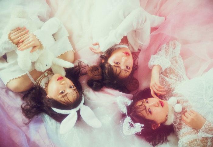 左より:山下美月、与田祐希、中村麗乃(写真提供:徳間書店)