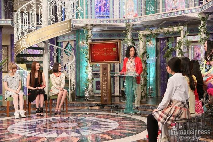 (左から)きゃりーぱみゅぱみゅ、観月ありさ、水原希子、ピースの又吉直樹、JSモデルたち/画像提供:関西テレビ