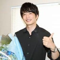 田中圭がクランクアップ!「僕と瀬野の気持ちはみんなと一緒にいます!うそじゃないよ(笑)」