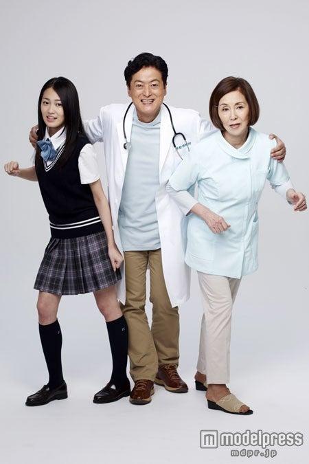 ドラマ「獣医さん、事件ですよ」に出演する(左から)吉本実憂、陣内孝則、野際陽子