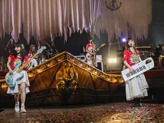 SILENT SIREN、メジャーデビュー5周年記念日に武道館公演 おなじみコーナー&サプライズゲストも<ライブレポ>