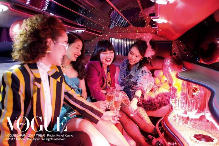 ブルゾンちえみ(中央)/「VOGUE JAPAN」5月号より(画像提供:コンデナスト・ジャパン)