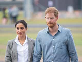 ヘンリー王子とメーガン妃、ボランティア活動をする人々に食事を配達。
