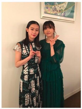 """新垣結衣&南沙良""""先輩後輩""""の初2ショットに反響"""