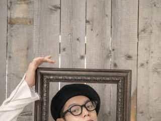 窪田正孝、メガネが似合う!デジタルカレンダー締めくくる第9弾