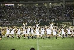 乃木坂46が自身初となる東京ドームで約2万人を前にパフォーマンス
