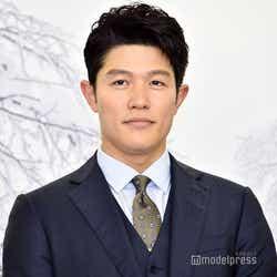 鈴木亮平(C)モデルプレス