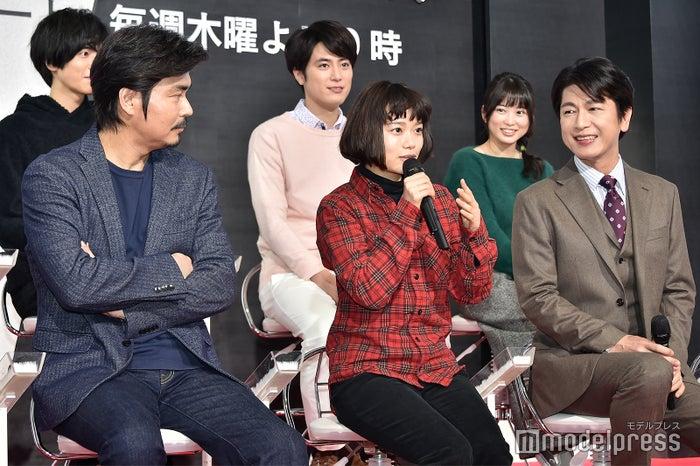 (前列)小澤征悦、杉咲花、及川光博 (C)モデルプレス