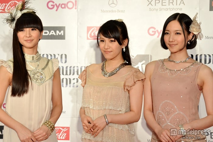 Perfume(左から:かしゆか、あ~ちゃん、のっち)