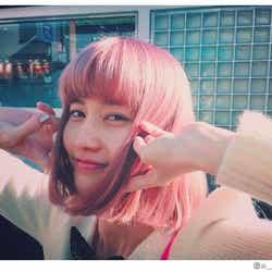 """モデルプレス - 橋本愛""""念願の""""ピンク髪に大胆イメチェン「最高に可愛い」「似合う」と絶賛の声"""