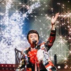桑田佳祐、『ひとり紅白歌合戦』全3回をWOWOWにて一挙放送!