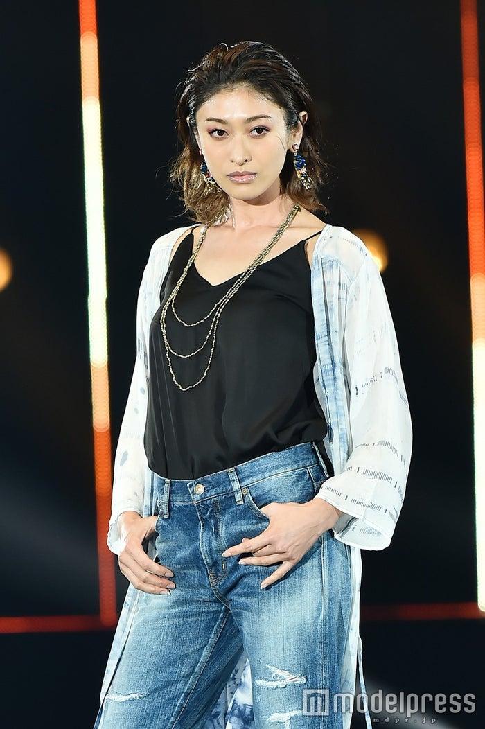 「第22回 東京ガールズコレクション2016 SPRING/SUMMER」に出演した山田優(C)モデルプレス