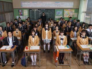 橋本環奈主演「シグナル100」、小関裕太・瀬戸利樹・若月佑美ら全キャスト発表