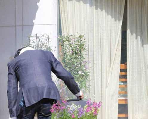 "SMAP稲垣吾郎、半同居人を初公開 2人の""同棲""生活に中居正広も衝撃"