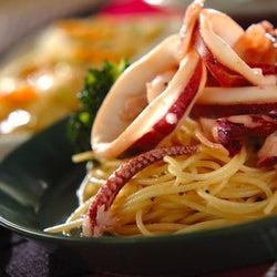 食欲をそそる美味しい香りがたまらない 「イカのガーリックパスタ」