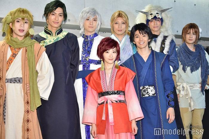 (前列左から)生駒里奈、矢部昌暉(後列左から)木津つばさ、西川俊介、山本一慶、陣内将、奥谷知弘、樋口裕太(C)モデルプレス