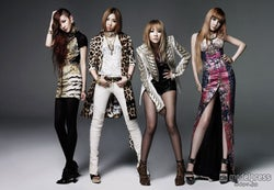 「ASIA STYLE COLLECTION」に出演する2NE1