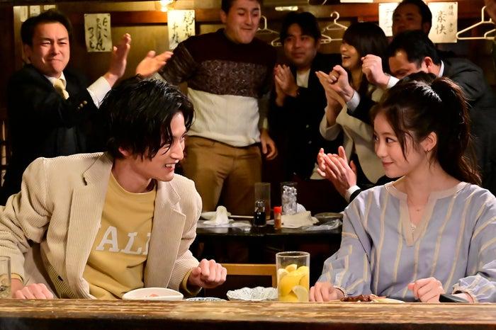 渡邊圭祐、今田美桜 「恋はDeepに」第5話より(C)日本テレビ
