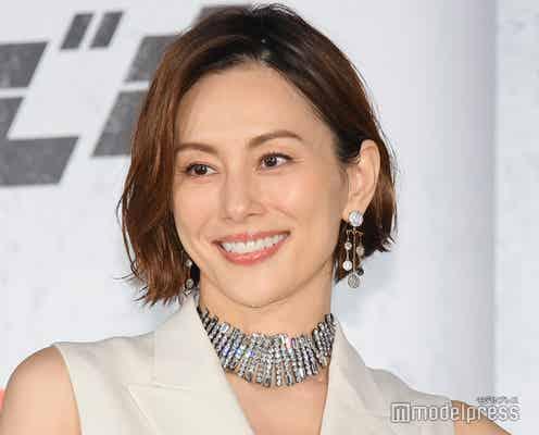 米倉涼子、サプライズに感涙「感動で立てない」<ブラック・ウィドウ>