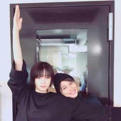 モデルプレス - 広瀬アリス、ショートヘアの妹・すずと2ショットで「すずちゃんイケメン」「姉妹逆転感」の声