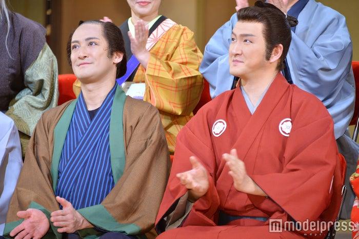 (左から)松岡昌宏、中村獅童(C)モデルプレス