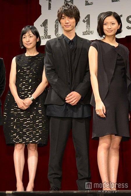 (左から)西田尚美、福士蒼汰、榮倉奈々