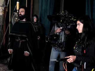 『ポルダーク』エイダン・ターナー主演ドラマがコロナ禍のイタリアで撮影できた理由とは?