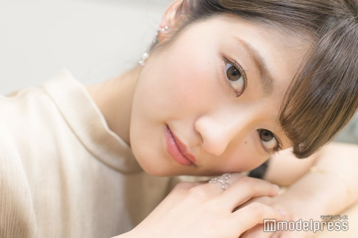 モデルプレスのインタビューに応じた若月佑美(C)モデルプレス