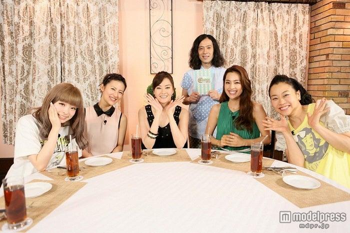 左から:きゃりーぱみゅぱみゅ、福田彩乃、観月ありさ、又吉直樹、中村アン、いとうあさこ/画像提供:関西テレビ