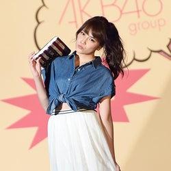 AKB48入山杏奈、お腹チラ見せコーデで初ランウェイ