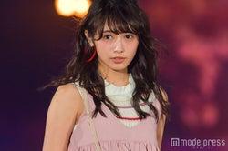 欅坂46渡辺梨加、緊張のランウェイデビュー ピンクコーデで可愛さ全開<GirlsAward 2017 S/S>