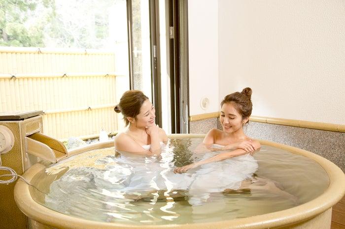 週末は箱根へ温泉旅行に お泊りでも可愛く寝ちゃえる「すっぴんメイク」のやり方