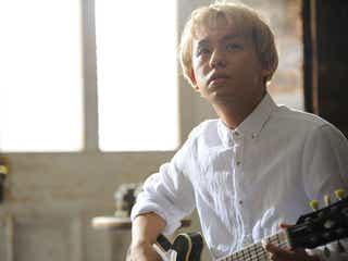 """りゅうちぇる""""イケちぇる""""姿でギター演奏 ぺこへの愛を伝える「世界が明るくなった」"""