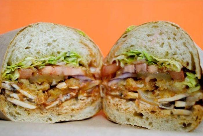 サンドイッチ専門店「アイクス」ハワイ初上陸、アラモアナセンターにOPEN/画像提供:アイクス・ラブ&サンドウィッチ