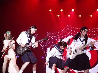 DISH//「イッテQ」イモト風女学生×珍獣ルックで沸かす パワフルステージに観客熱狂